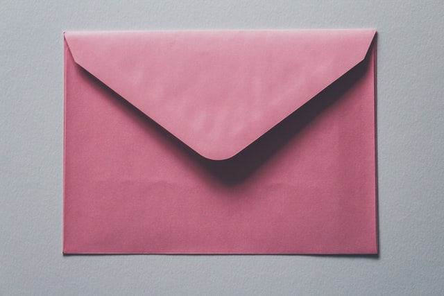 Lettera postale rosa